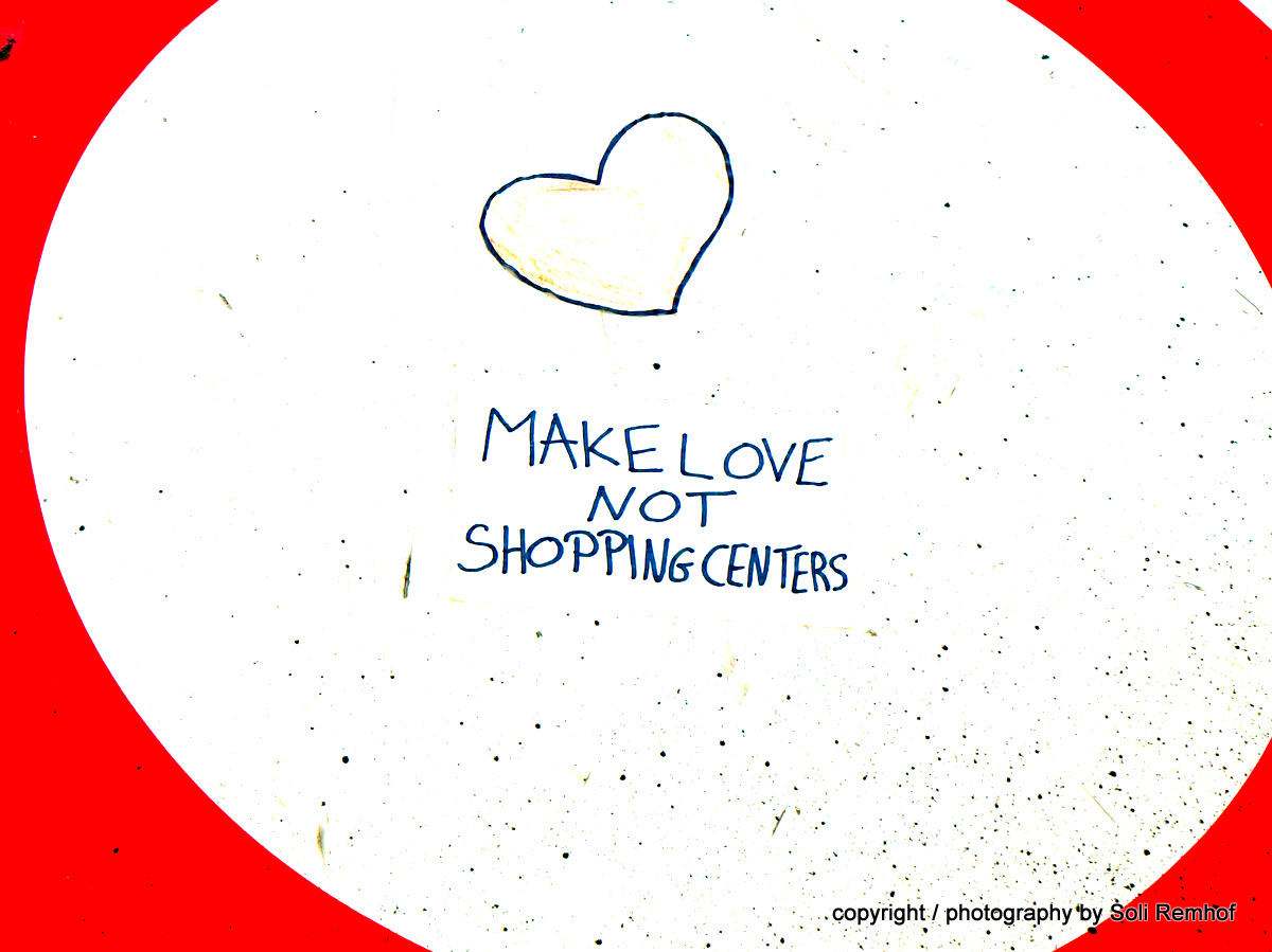 MakeLoveNotShopping_SoliRemhof_Assistantly